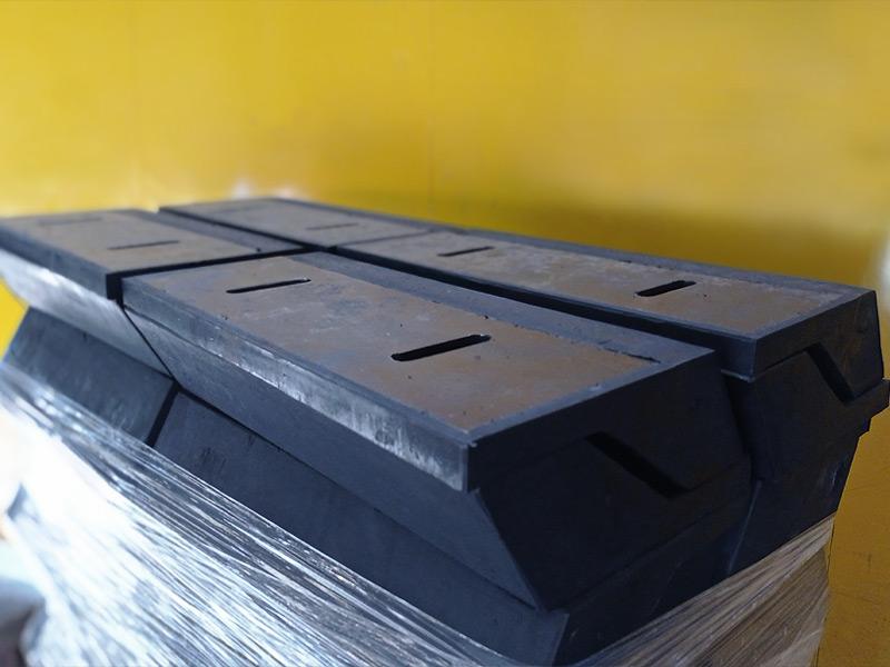 Placas guía centradoras de carga tipo bota - Ingomar